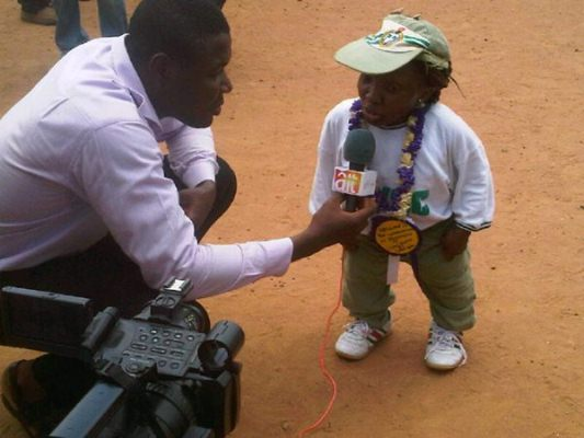 meet the shortest woman in Nigeria.